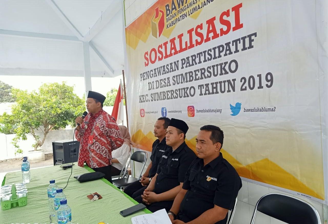 Camat Sumbersuko menjadi Narasumber Sosialisasi Pengawasan Partisipatif di Desa Sumbersuko
